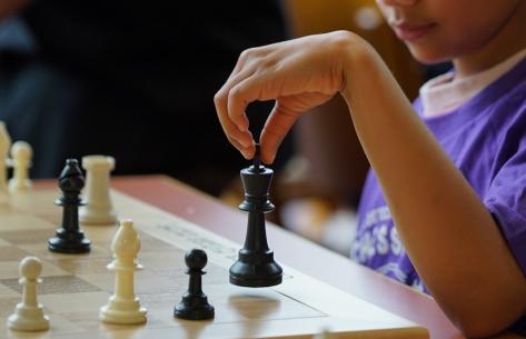 _chess -kids vs cops bishop 3-1