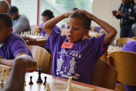 _chess -kids vs cops Keli