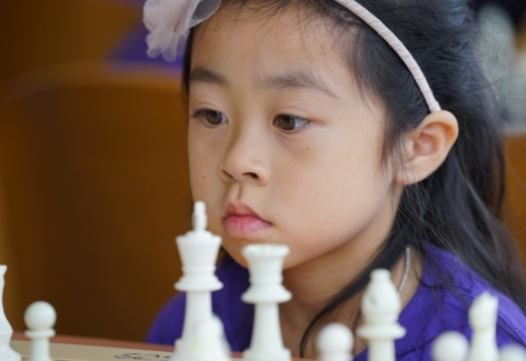 _chess -kids vs cops Selina -2